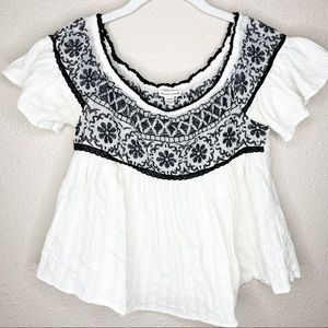 AMERICAN EAGLE Embroidered Flounce Top
